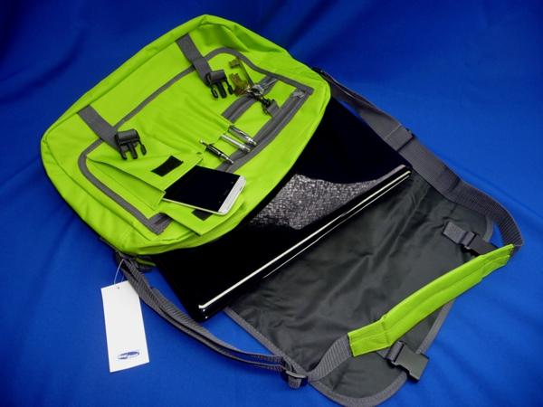 Messenger-Bag grün  mit Aufdruck